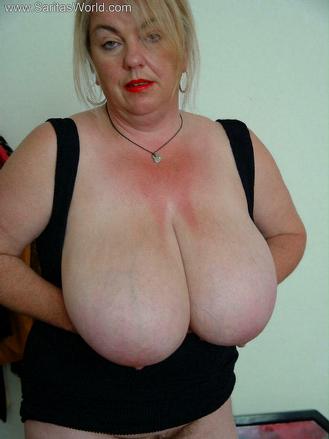 the biggest tits in the world foto cewek